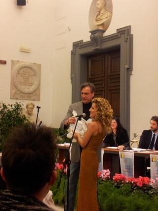 MAX TORTORA premia ANNALISA FAVETTI - premiovincenzocrocitti 2013