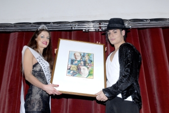 MISS STRANIERA ITALIA premia StreetArttist EMILIANO FIACCHI -Michael Jackson-